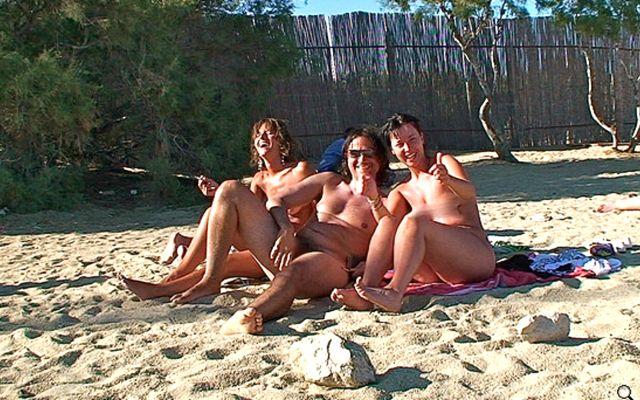 MYKONOS 3SOME NUDE BEACH Screen shot 2013-10-21 at 21.36